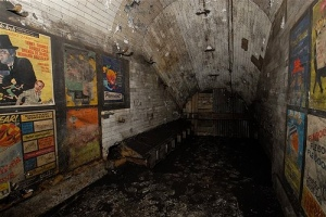 areas of the disused Aldwych station